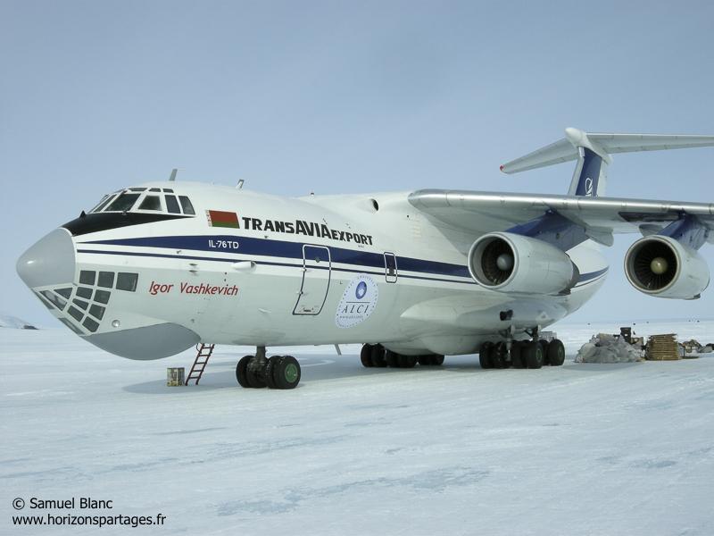 Ilyushin IL-76 en Antarctique