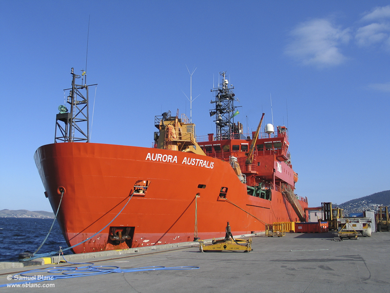 Le brise-glace australien Aurora Australis à quai à Hobart en Tasmanie